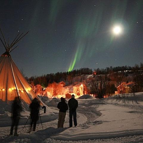Waiting for the northern lights in Koppangen, Northern Norway