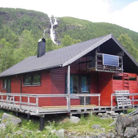 Cabin in the Lyngen Alps - summertime