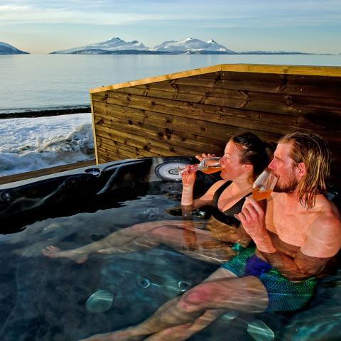 Jacuzzi, Lyngen Experience Lodge, Nord Norge